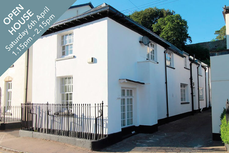 8 Little Bank, Porthycarne Street, Usk